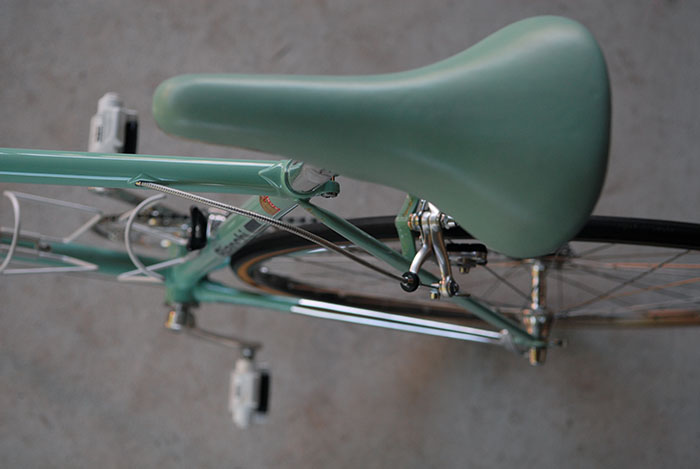 Selle Italia Super Turbo saddle, covered in Bianchi celeste leather.