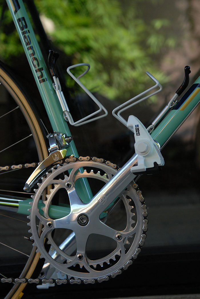 Campagnolo C Record front derailleur, Look PP 65 the original Look pedals, Campagnolo C Record crankset.
