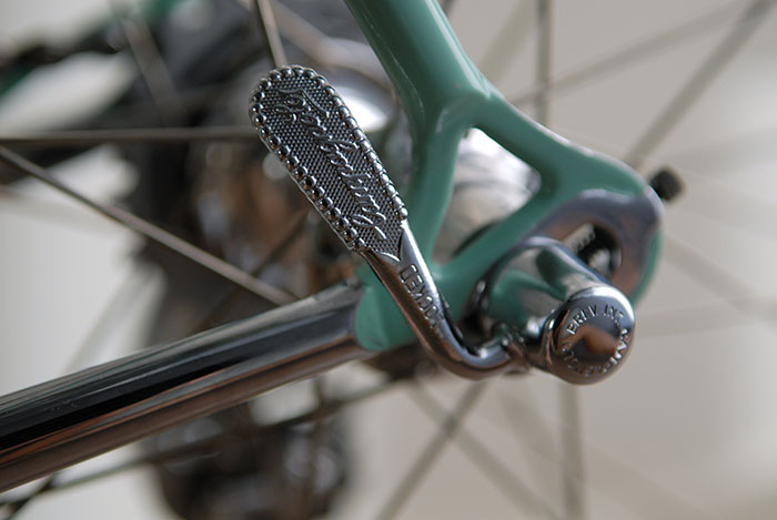 32 hole Campagnolo low flange C Record hubs, Alpina spokes.