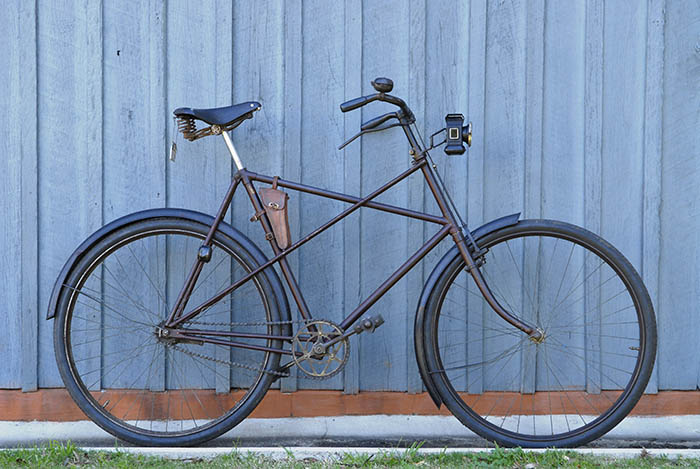 This was a beautiful bicycle to ride, built for comfort touring English country lanes.
