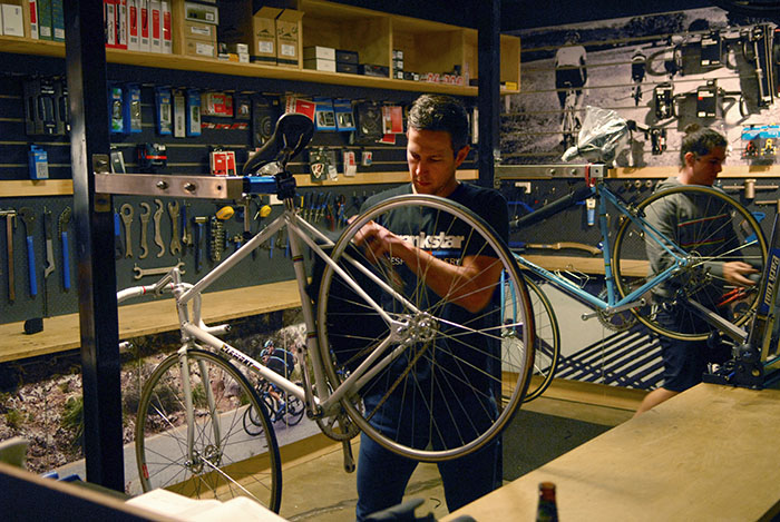 Steve from Crankstar prepares Gary Sutton's track bike for the Pushies Galore 2015 evening talk with Geoff Scott, master frame builder.