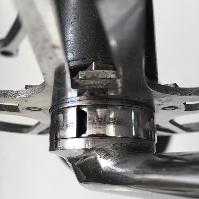Magistroni cottered crankset made to look like a cotterless system