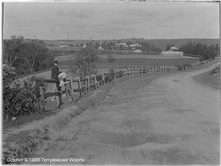 cyclist-templestowe-victoria-1898.jpg