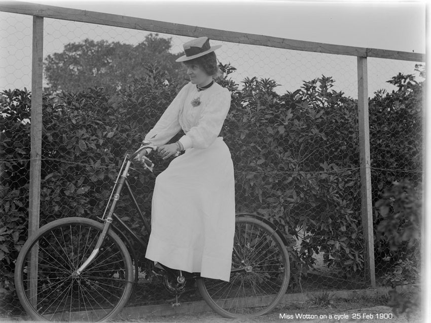 cyclist-miss-wotton-1900.jpg