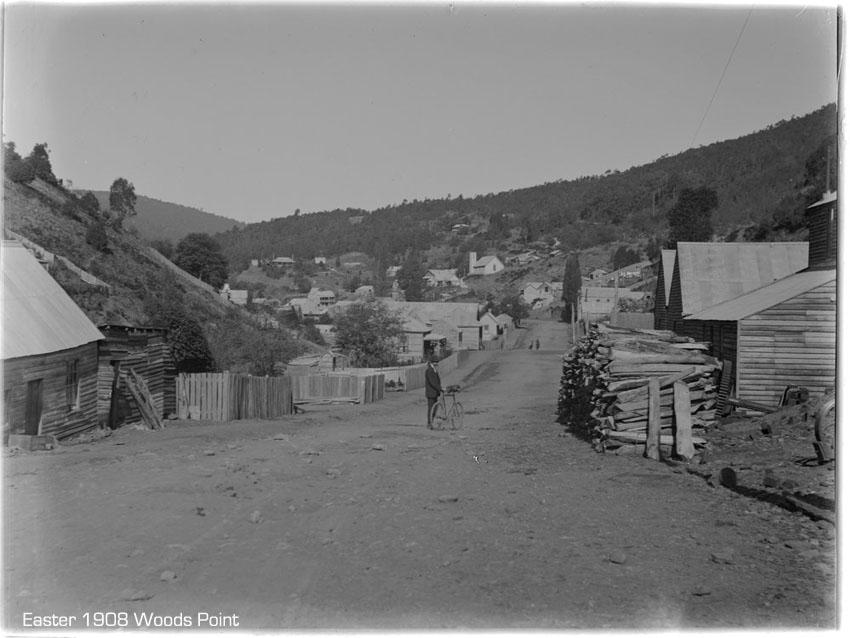 cyclist-woods-point-1908.jpg