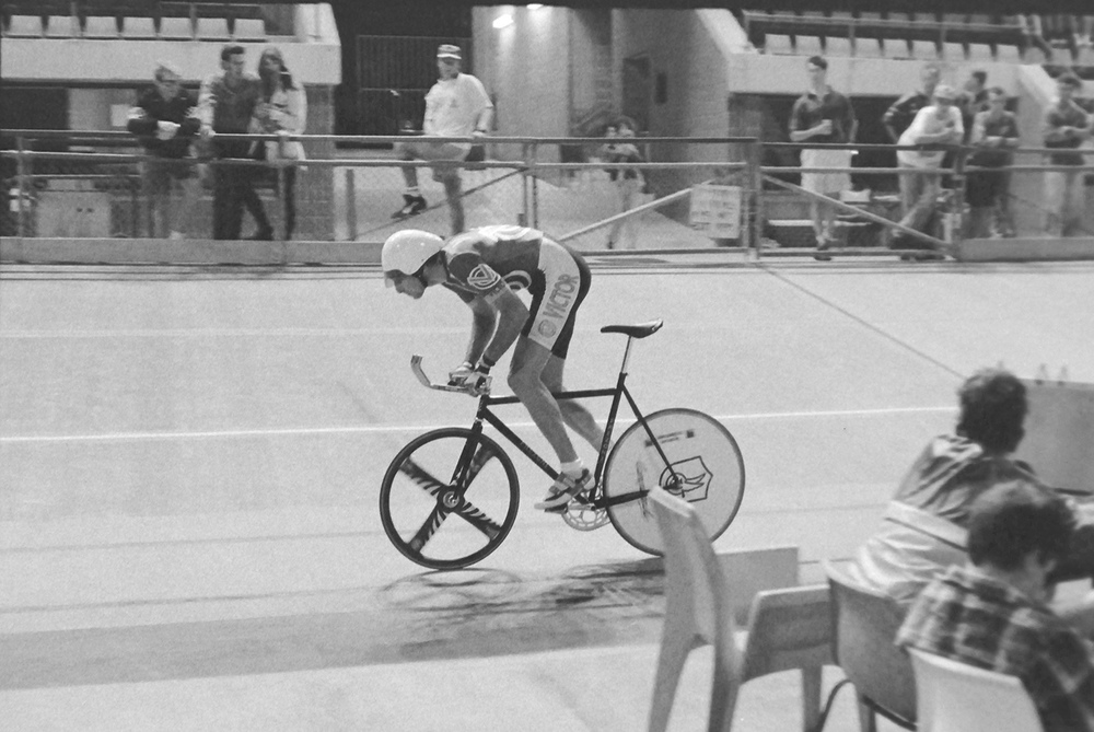 Australian Elite men's outdoor hour record, 46.822 km at Chandler velodrome 12 March 1995. Image credit Gary Crannitch