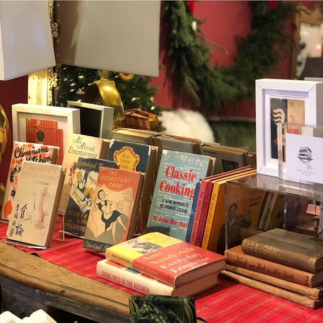 Just made a big holiday delivery of vintage cookbooks to @fritzporterchs with lots of fun titles to choose from! #giftideas 🎄🎁📚🍽 . . #cookbook #collection #literatureoffood #books #bookstagram #shelfie #cookbooking #holidays