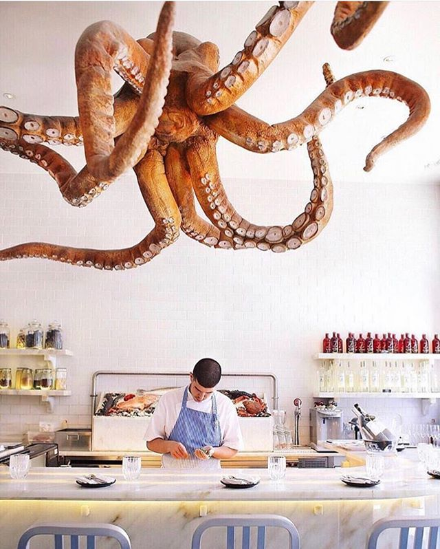 Mind completely blown by this decor at @a_cevicheria_chefkiko in Lisbon!!! ✨🐙 📸: @niki_csanyi via @afarmedia #wanttogo #design #decor #interiors