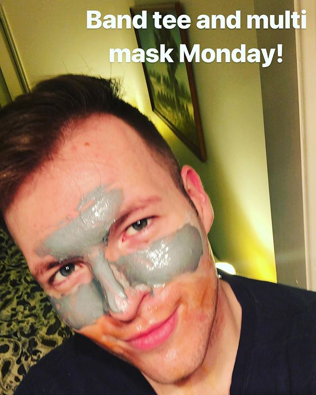 Multi mask Monday's! Featuring Arcona and a sneaky secret project 😜 #menskincare #mensskincare #skincare #skincareroutine #skincareblogger #skincarebloggerau #beautybloger #beautybloggerau #mask #maskmonday #madarine #exfoliating #bandtee #bandtees