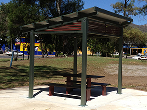 Construction Building a new shelter at Tamworth – the shelter is aluminum and has vandal proof bolts they are stylish and specifically designed for local councils, shopping centres, malls, schools and sports clubs.