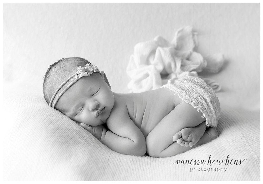 Huntsville Newborn Photographer_0019.jpg