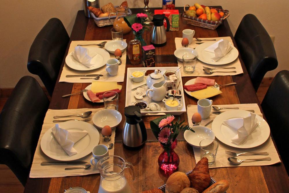 ontbijttafel1-3.jpg