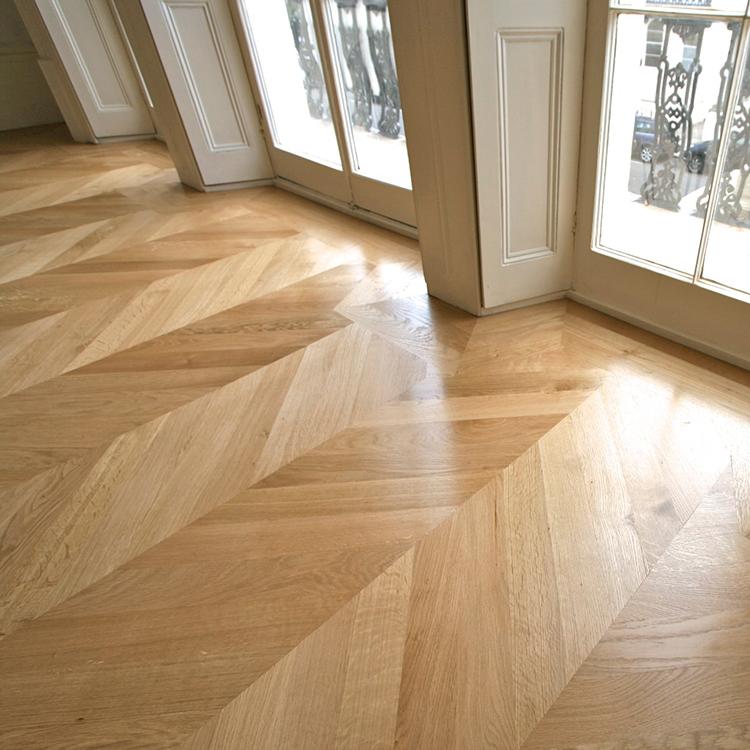 Treehouse flooring notting hill for Chevron laminate flooring