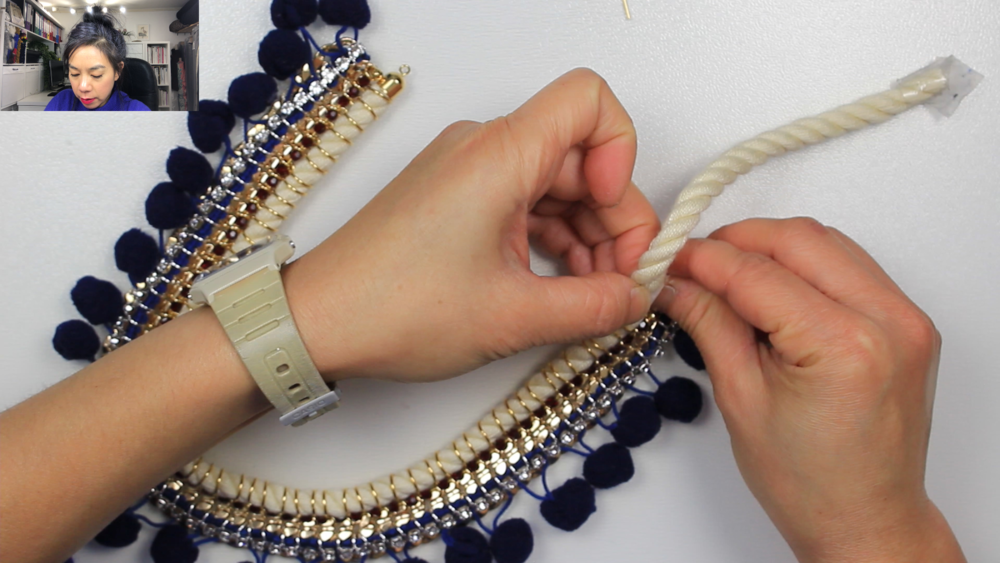 VIDEO TUTORIAL - PART 2 - NECKLACE BOTTOM