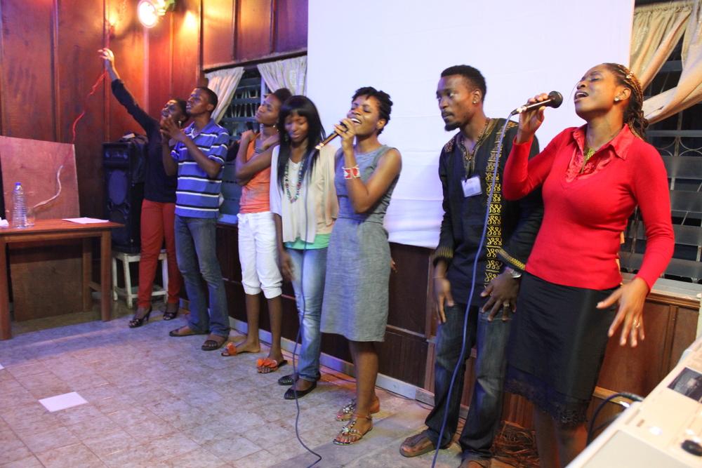 worshipteam.JPG