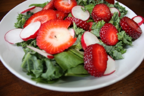Strawberry:KaleSalad.jpg