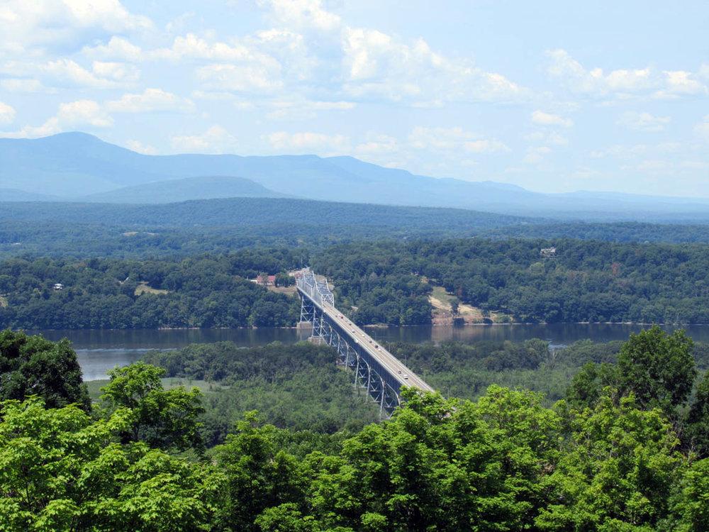 Rip van Winkle Bridge at Catskill.jpg