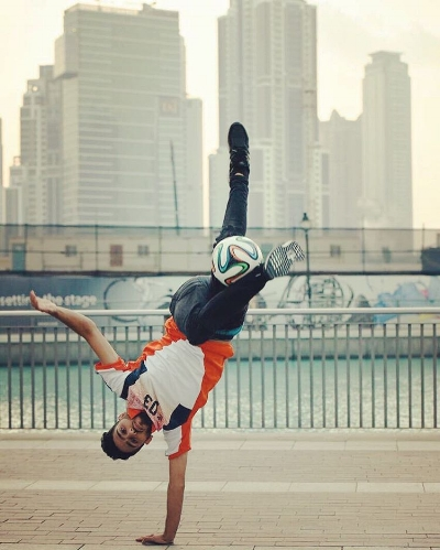 freestyle soccer player abu dhabi football uae zaid issawi.jpg