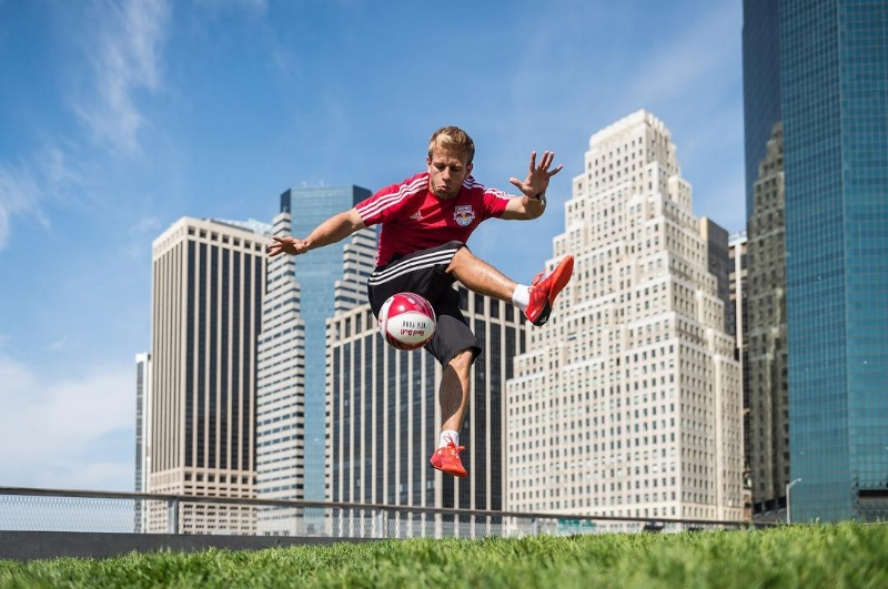 freestyle soccer player juggler new york city