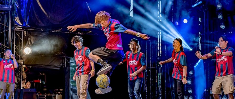 Tokura teaches Neymar Jr. some new tricks in Sao Paulo, Brazil