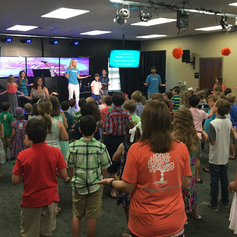 Elementary (K-5th Grade) We share God's Word in a creative manner tailored to elementary children through activities including a Bible story, videos, games and crafts. Every week our kids hear an engaging Bible story, learn to worship God and have fun with their friends.
