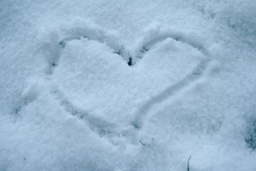Heart_of_snow.jpg