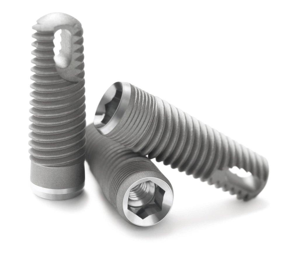 Pose d'un implant Zimmer : à partir de CHF 1100-