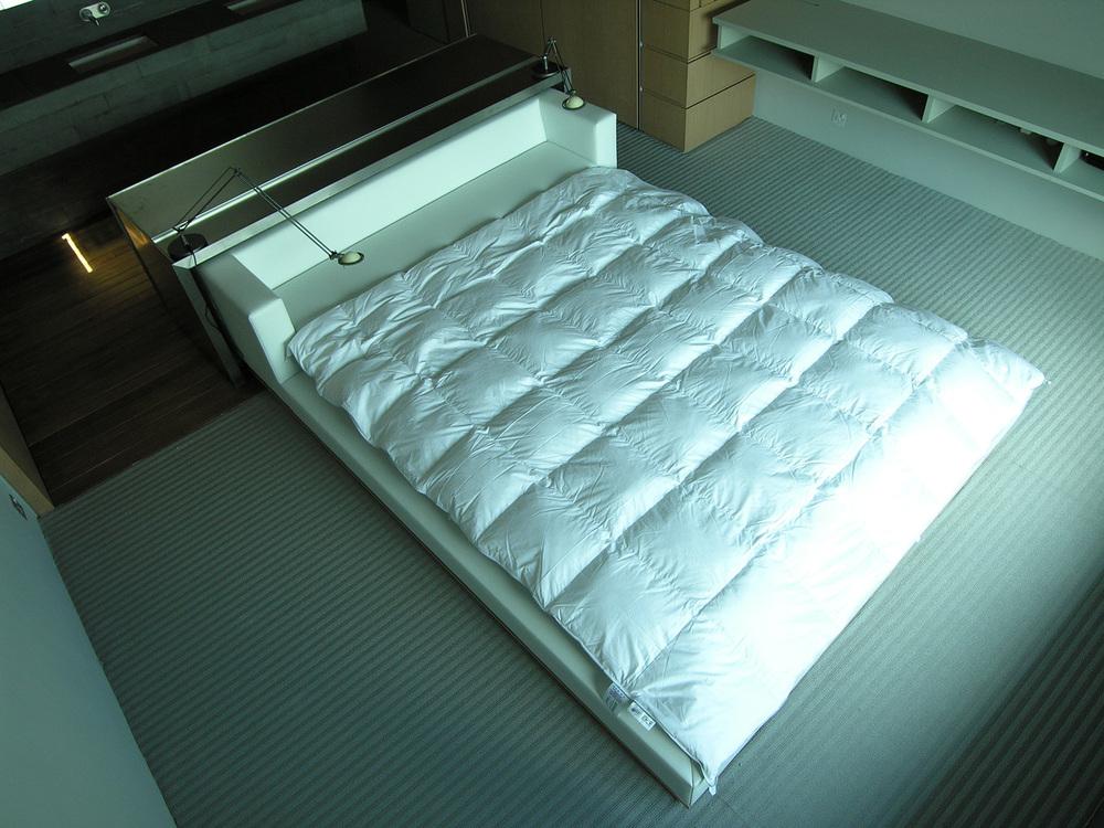 Bedroom- bed 1(high rev).jpg