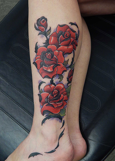 artisanal_tattoo_lou_o'caiside_black_and_red_roses_tattoo.jpg