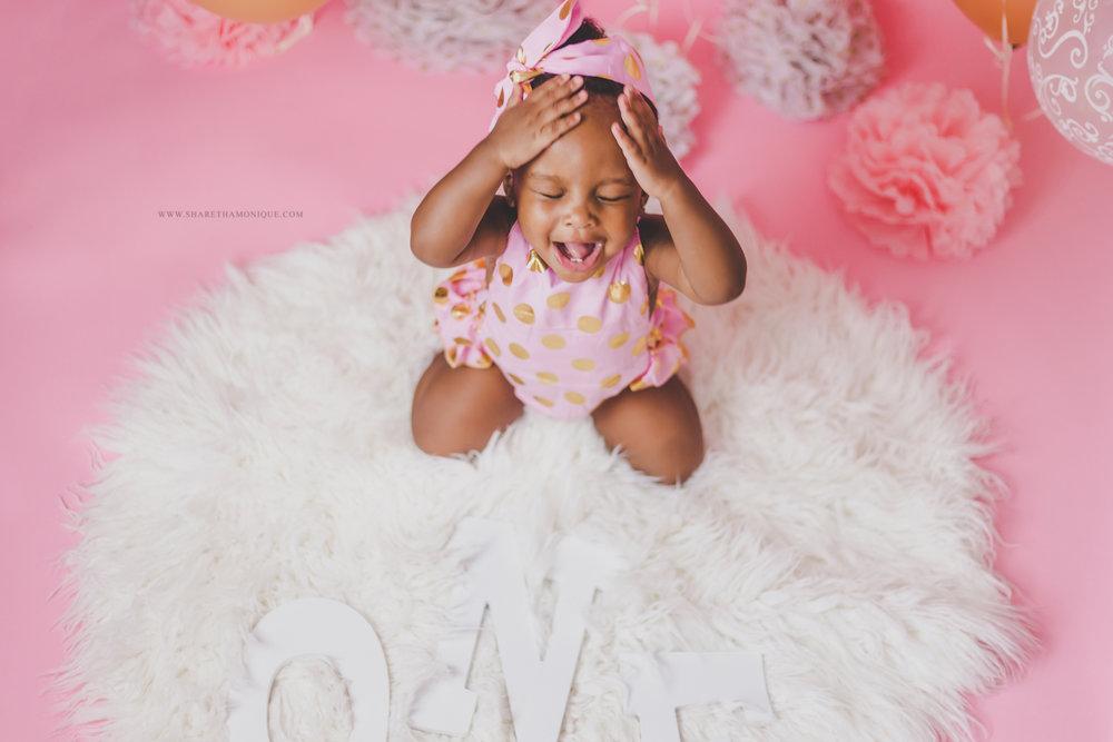 Charlotte Baby Cake Smash - One Year Birthday-9.jpg