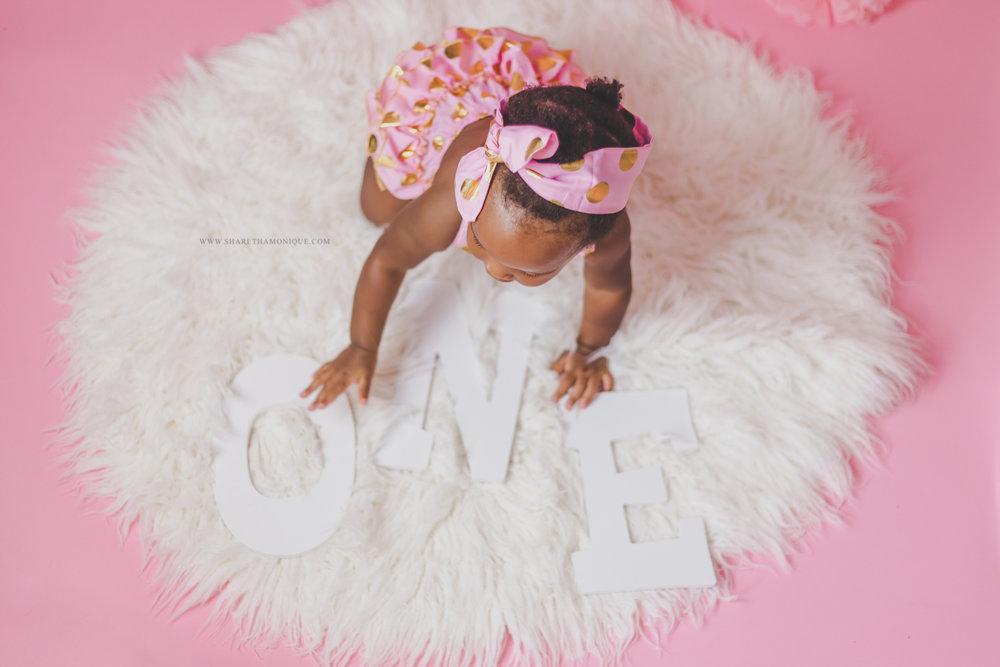 Charlotte Baby Cake Smash - One Year Birthday-10.jpg