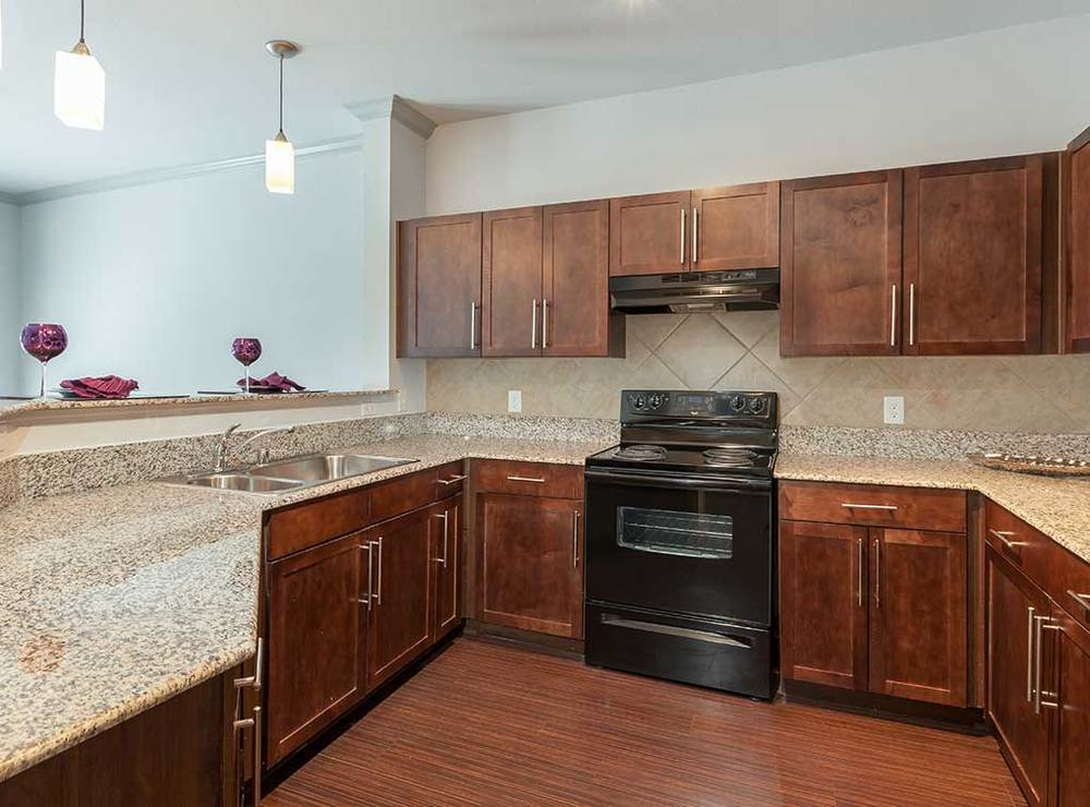KITCHEN - GRANITE COUNTERS