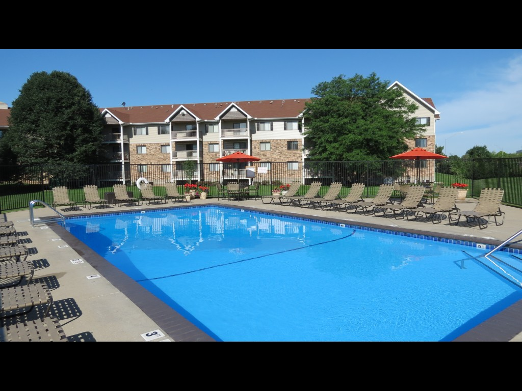 pointe west apartments execustay midwest