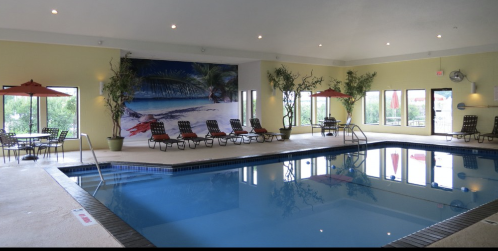 YEAR-ROUND INDOOR POOL