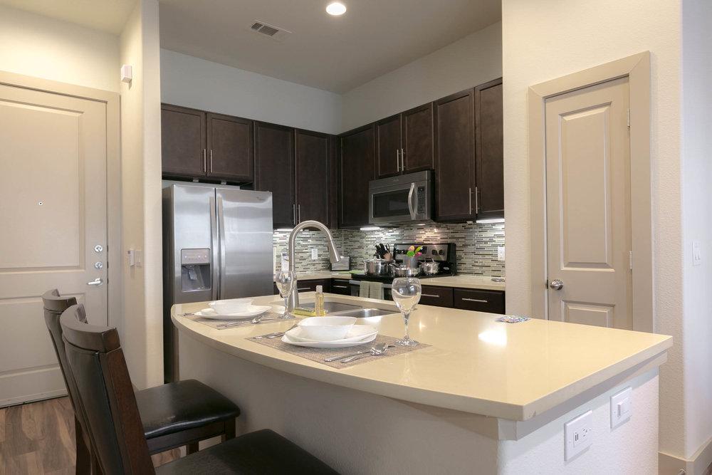Full-Sized Kitchen
