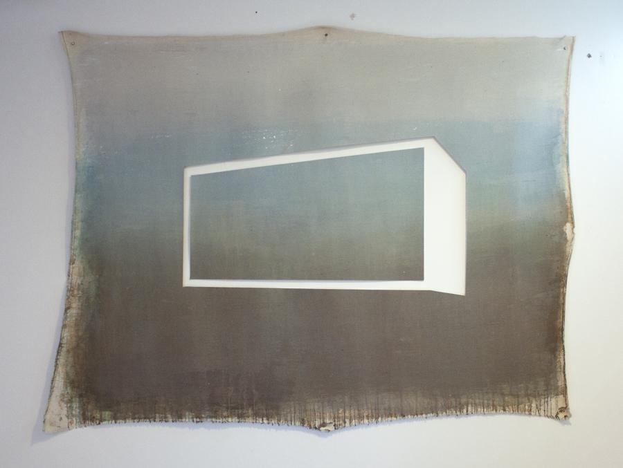 Sin título III (Residencial Real) , 2012, óleo sobre tela calada, 100 x 130 cm.