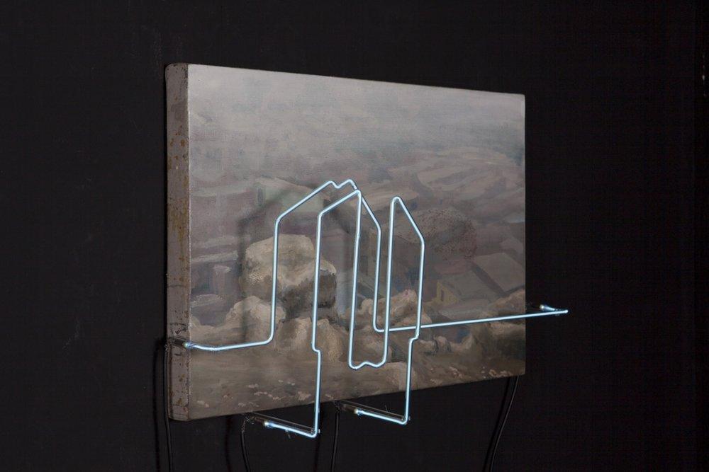 Ser de su tiempo XV , 2012, ó leo sobre tela y lámpara de neón,40 x 60 cm.
