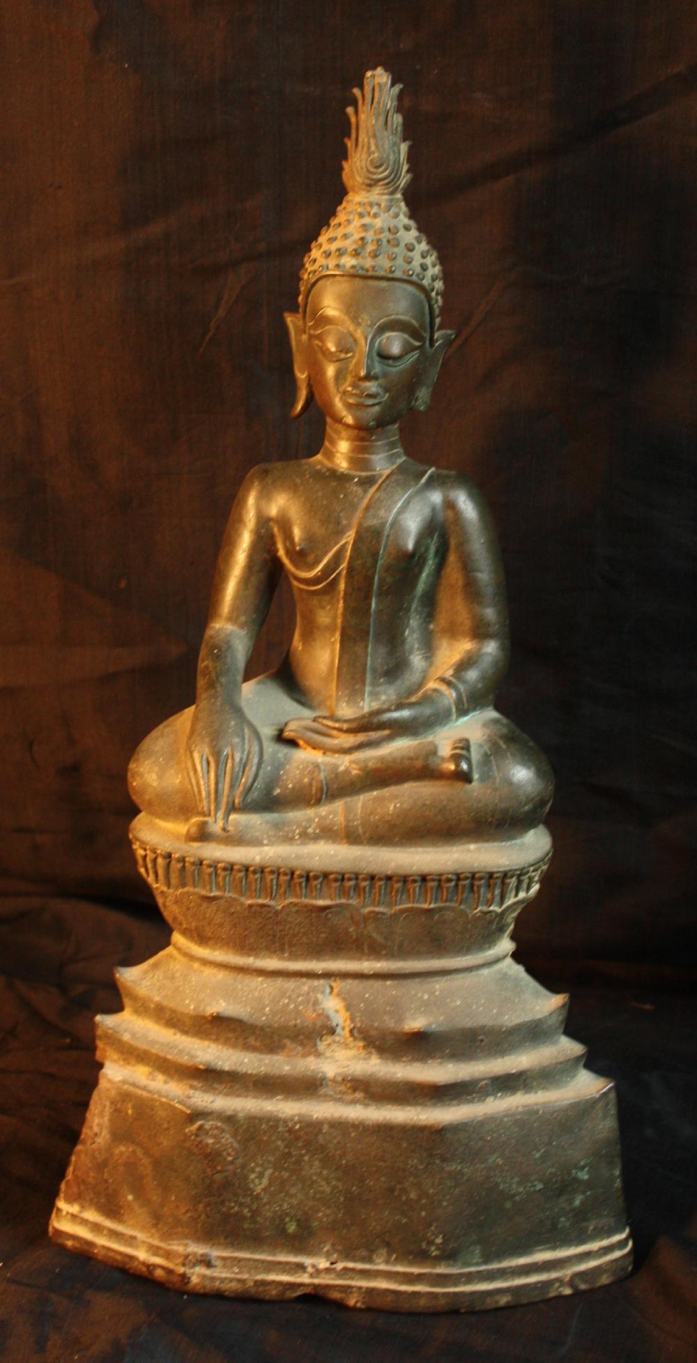 2502/1  Sitting Buddha Statue