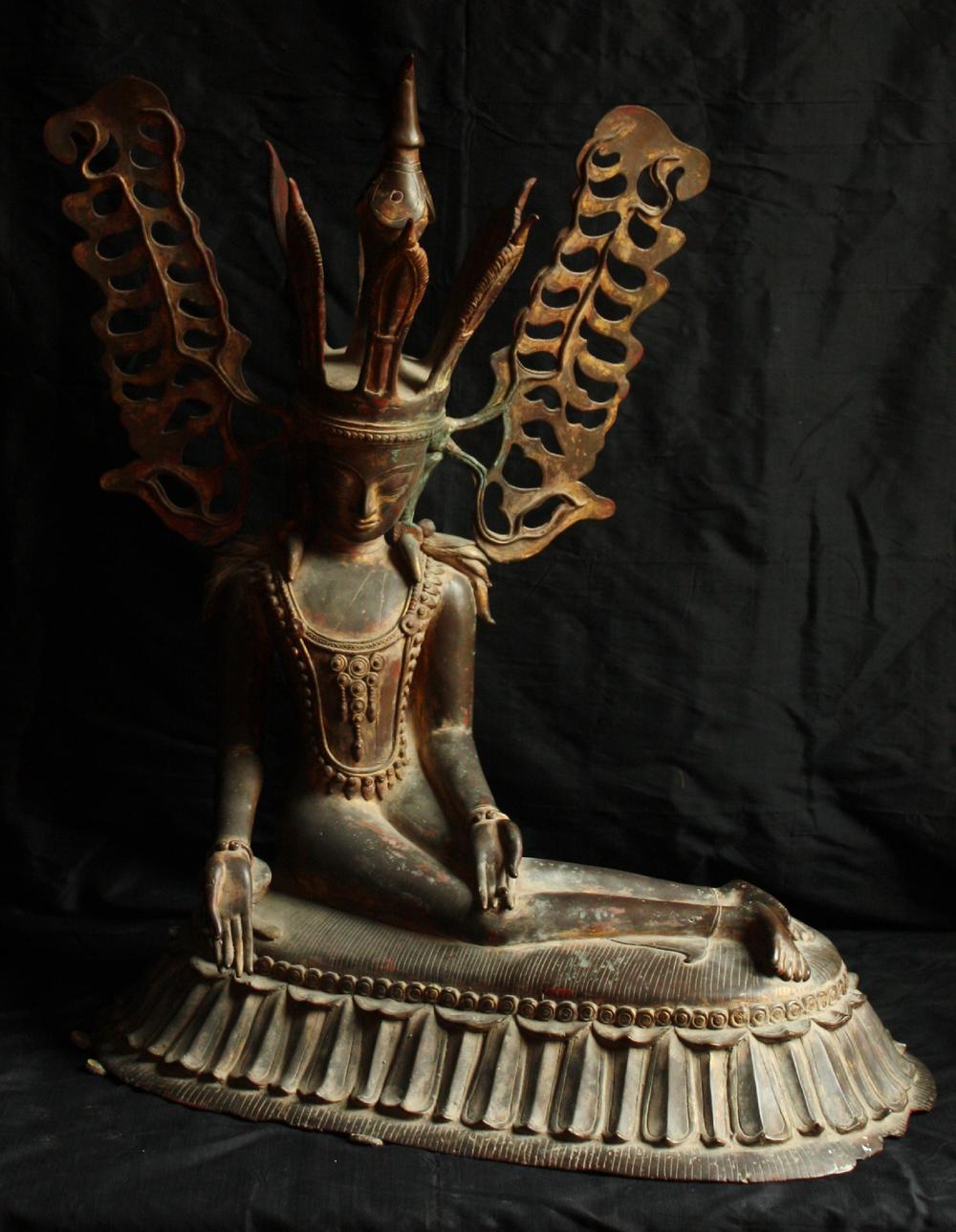 2543/2  Crowned Shan Buddha Entering Parinirvana