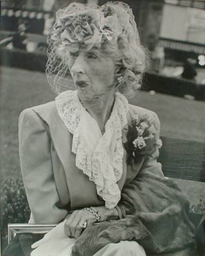 Femme au Voile (Glamour)