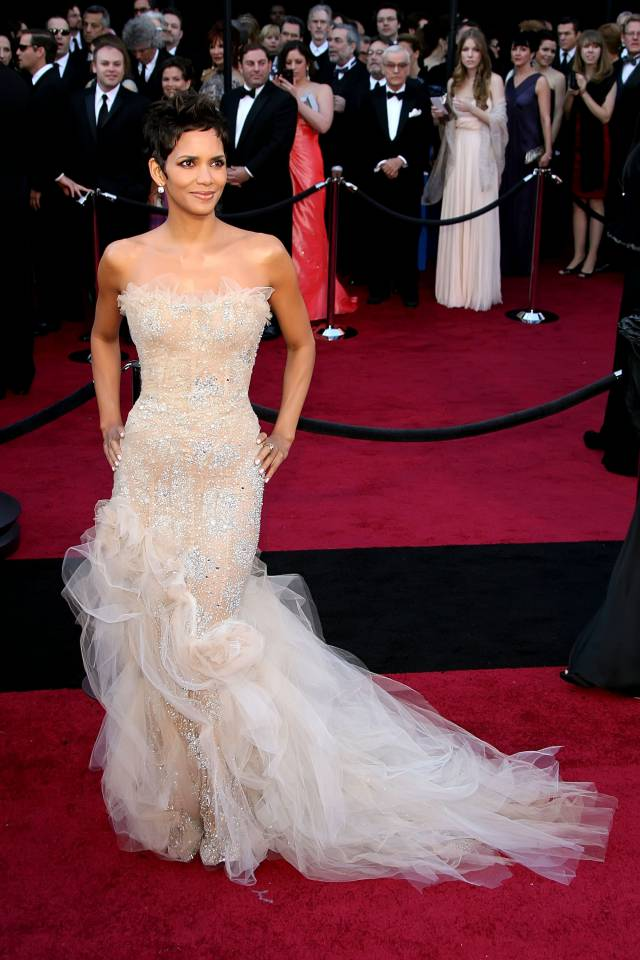 Halle Berry, Oscar Red Carpet 2011 Marchesa Gown Perez Hilton