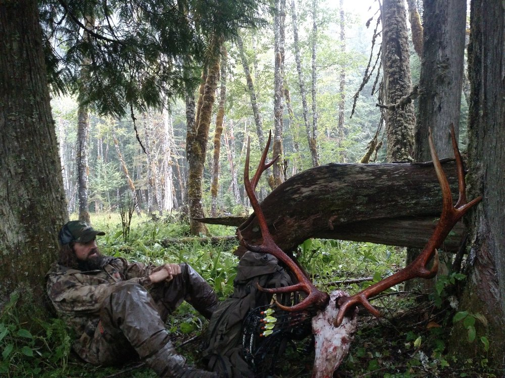 Ryan and his Solohunt 2017 Archery Washington Roosevelt Elk