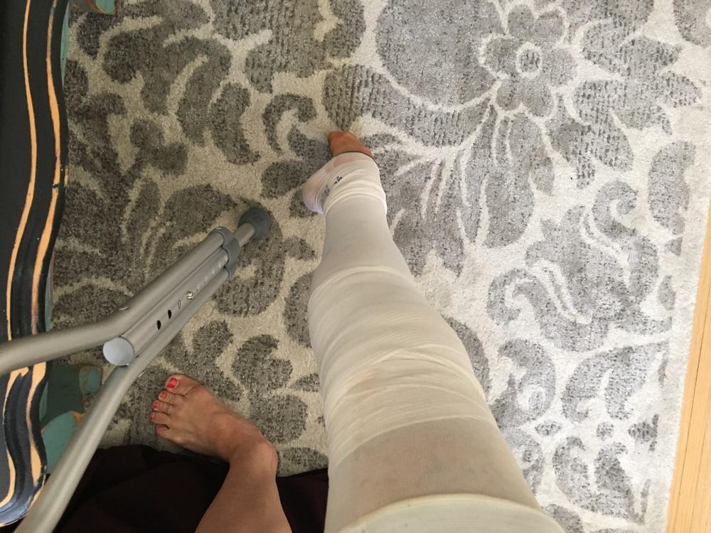 One crutch and a Tondue