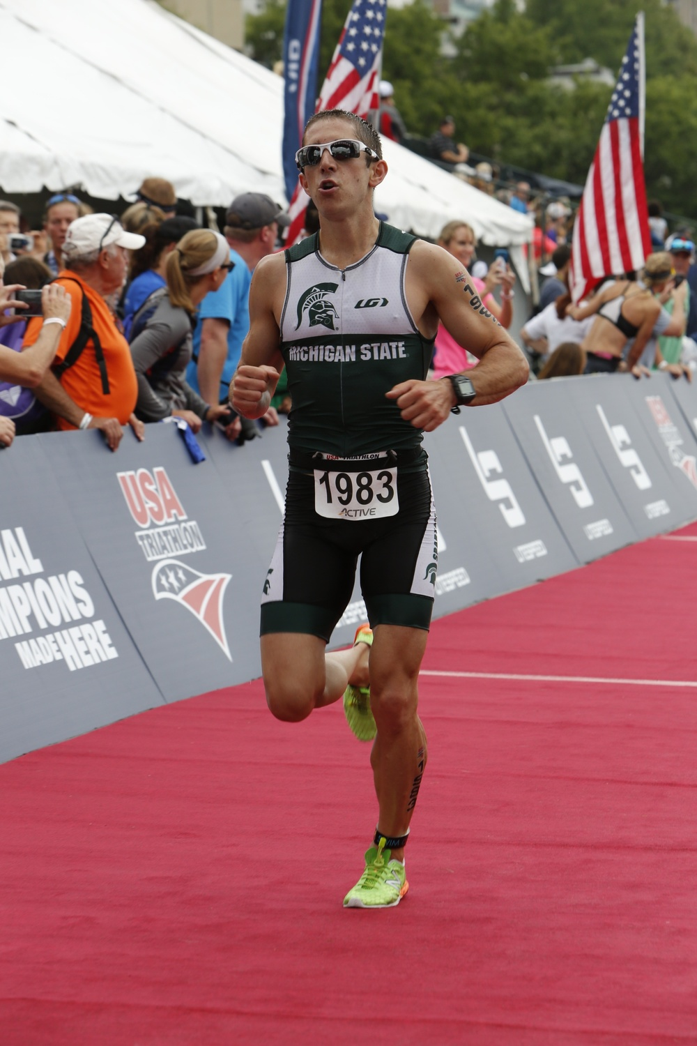 2015 USAT AGNC Todd Run Finish1.jpeg