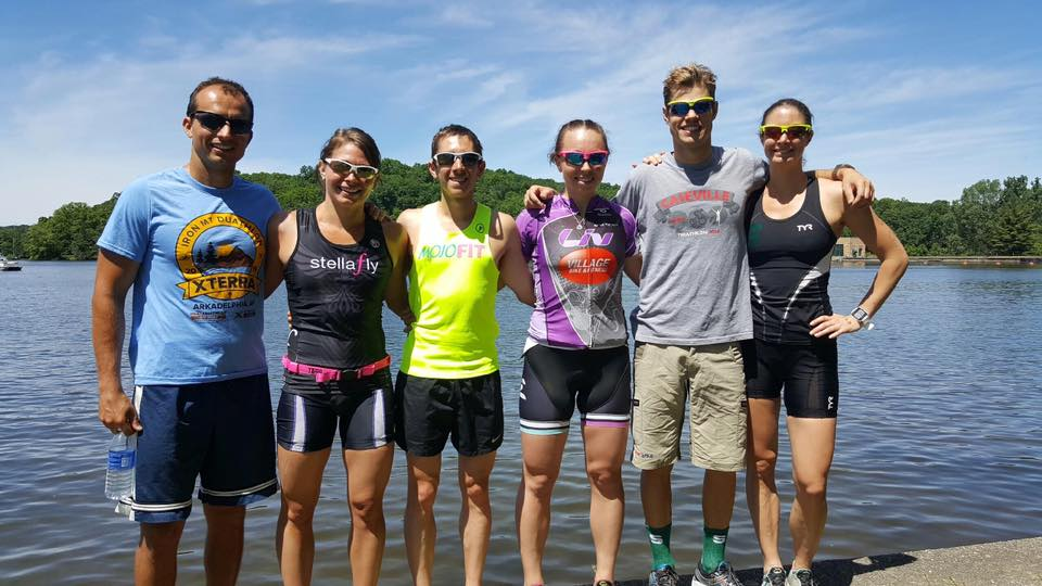 The whole crew post-race. I'm rocking my MojoFit singlet of course!