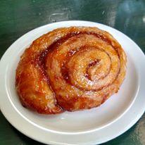 Dozen's apricot cinnamon roll