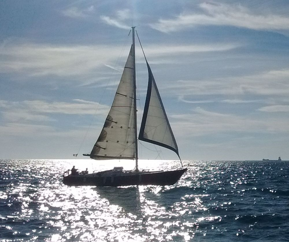 Boat-and-Sun-compressor (1).jpg