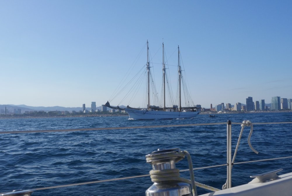 classic sailing tours in barcelona.jpg