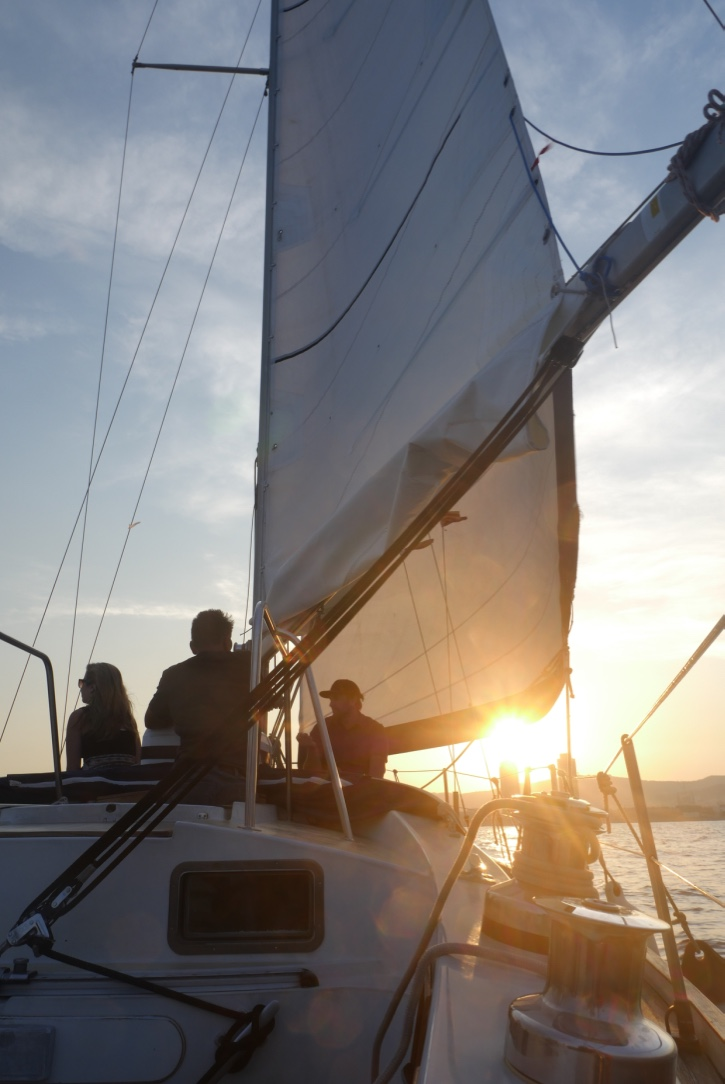 sunset sailing trips barcelona.jpg