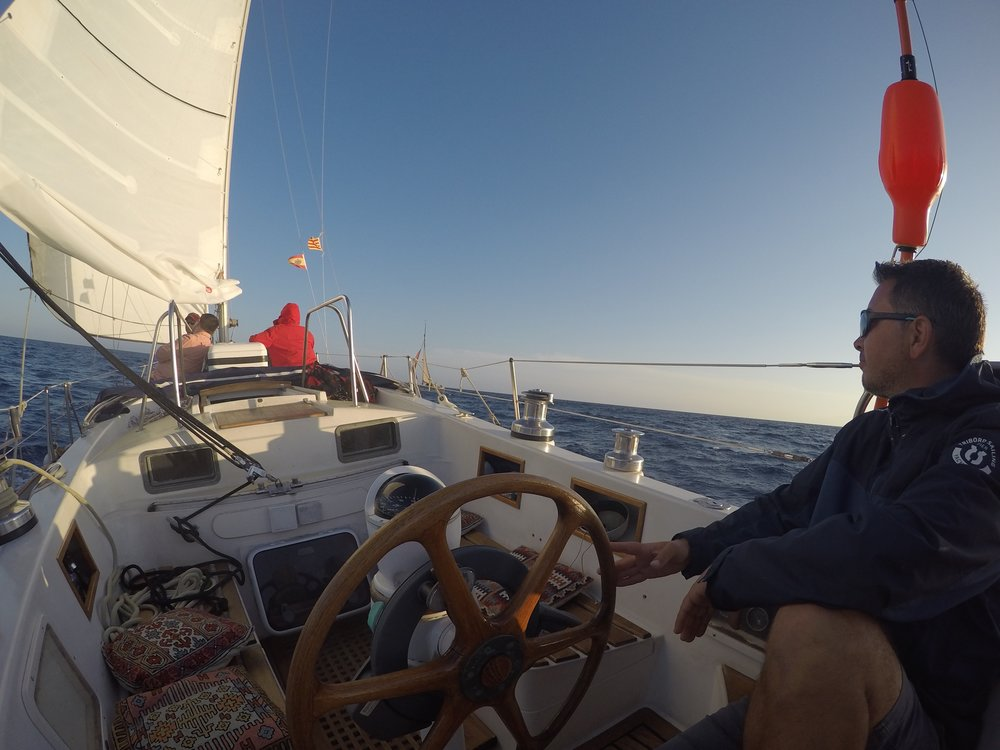 private sailing tour barcelona.jpg